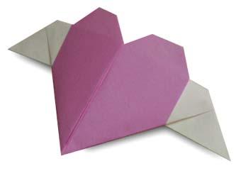 折纸带翅膀的心和步骤图解